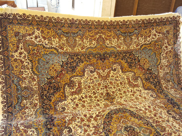 machine knotted rugs